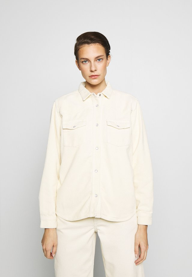 PERNILLA - Skjorte - seedpearl white