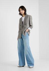 Won Hundred - KIMMY - Flared jeans - used blue - 1