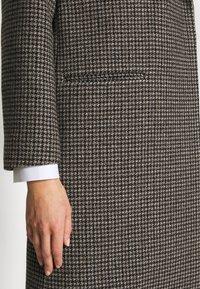 Won Hundred - CATELYN - Zimní kabát - houndstooth brown - 5