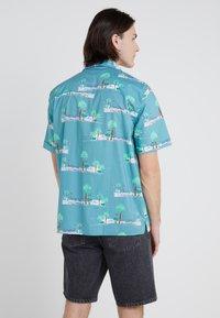 Won Hundred - KIRBY - Camisa - cameo/blue/vacation - 2