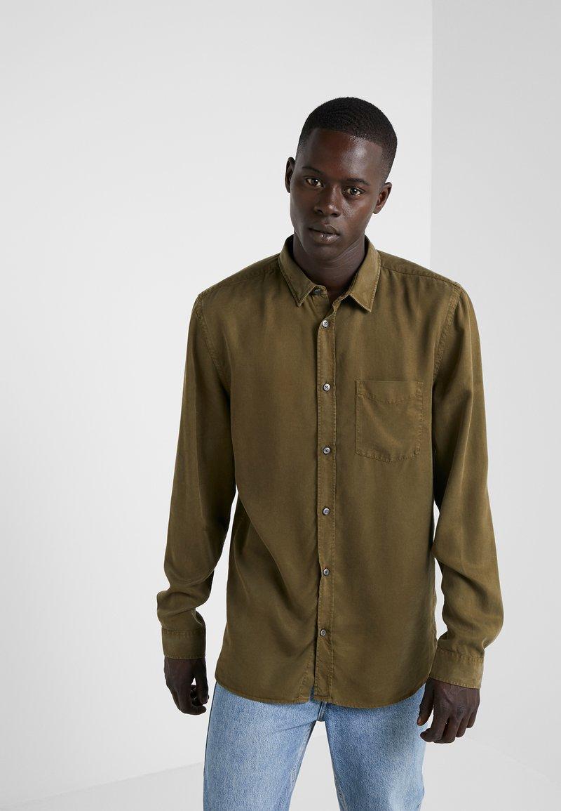 Won Hundred - HENDRIX - Camisa - dark olive