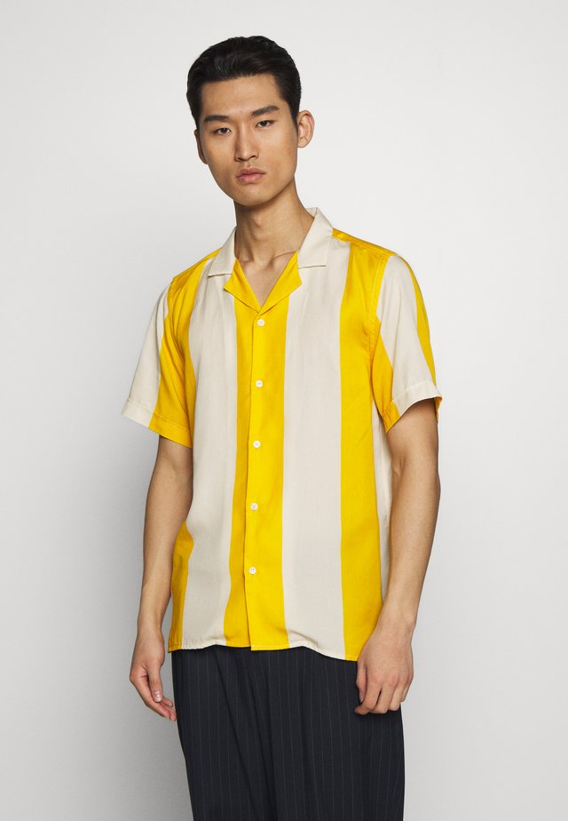 KIRBY - Camisa - yellow