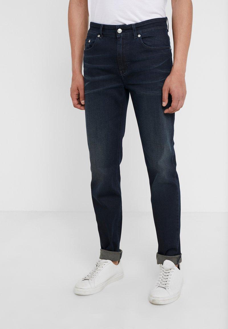 Won Hundred - DEAN  - Slim fit jeans - darkest blue