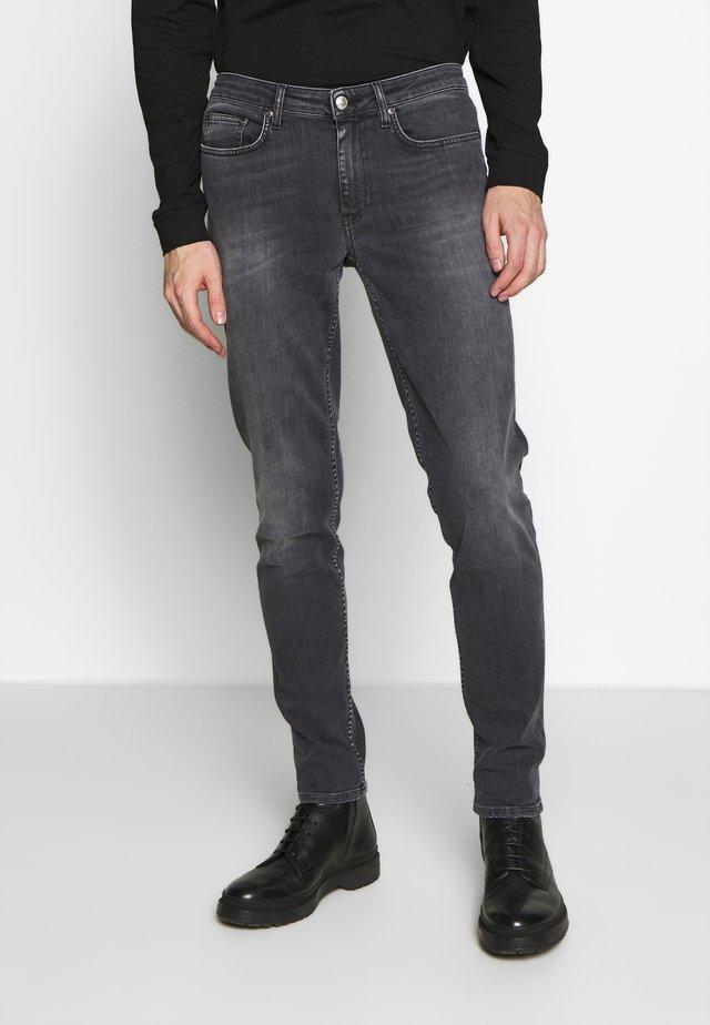 SHADY  - Slim fit -farkut - sling grey