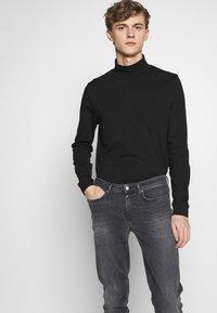 Won Hundred - SHADY  - Jeans Slim Fit - sling grey - 3