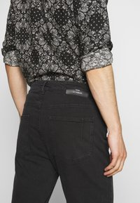 Won Hundred - BEN - Jeans Relaxed Fit - charcoal - 3