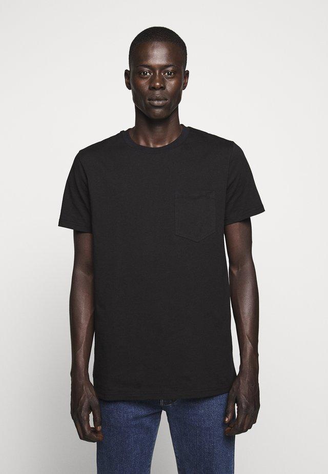 JEFFERSON - Jednoduché triko - black