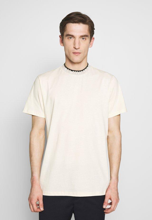 ARIZONA - Camiseta básica - seedpearl white