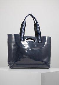 Won Hundred - JOURNEY - Bolso shopping - denim blue - 2