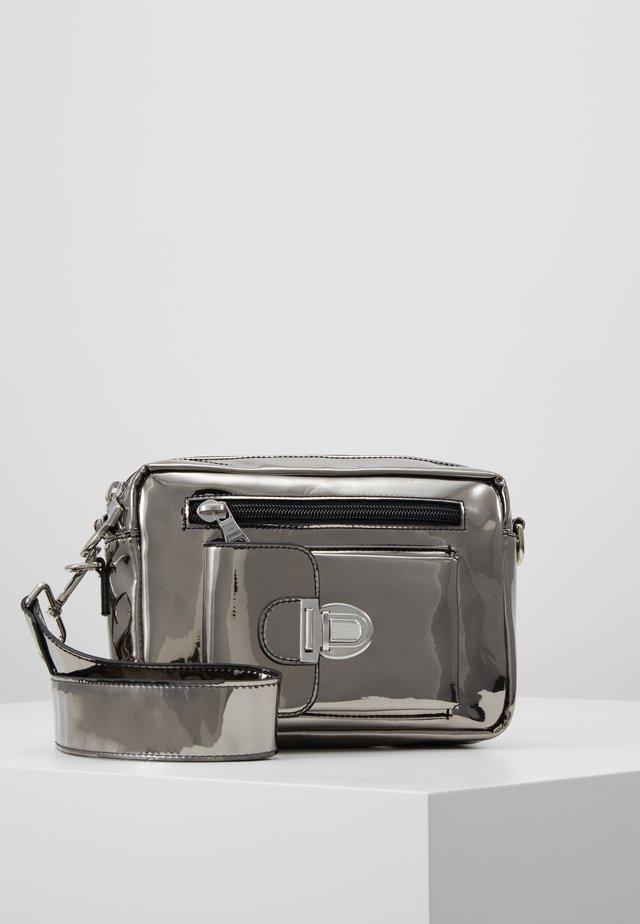 ATHEN  - Bum bag - silver metallic