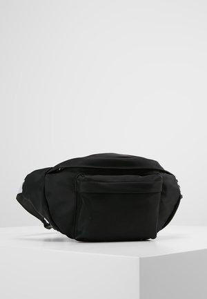 IAN - Gürteltasche - black