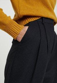 Wood Wood - SUNNA TROUSERS - Pantalon classique - navy - 4