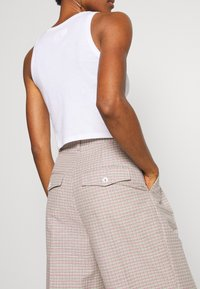 Wood Wood - SUNNA TROUSERS - Trousers - beige - 3