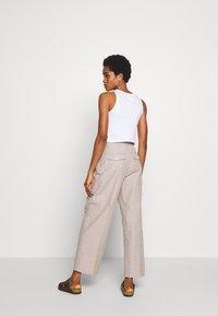 Wood Wood - SUNNA TROUSERS - Trousers - beige - 2