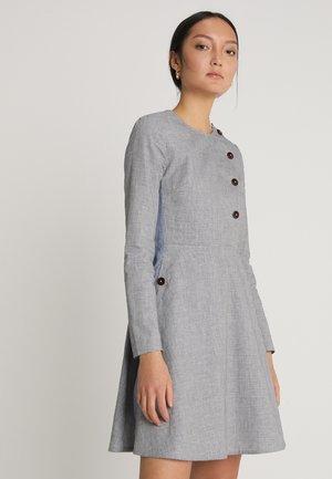 YOLANDA DRESS - Paitamekko - grey