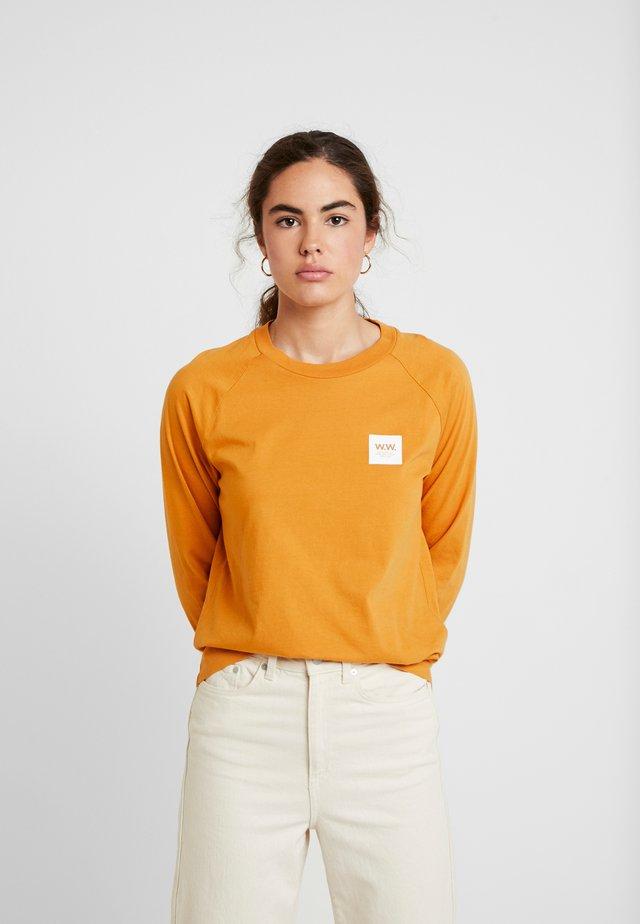 HALLI LONG SLEEVE - Long sleeved top - mustard