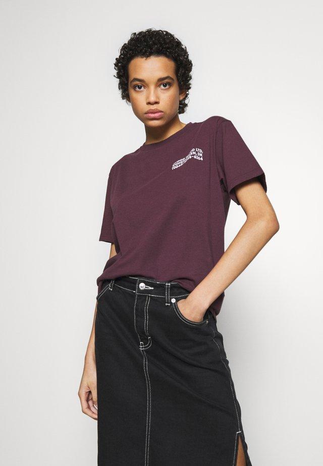 INFO - T-Shirt print - burgundy