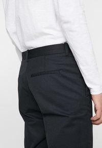 Wood Wood - TRISTAN TROUSERS - Trousers - black - 3