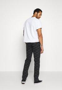Wood Wood - GIL - Straight leg jeans - black - 2