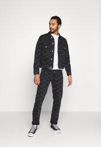 Wood Wood - GIL - Straight leg jeans - black - 1