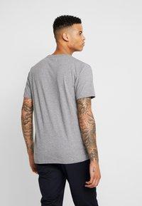 Wood Wood - SPLIT - Print T-shirt - grey melange - 2