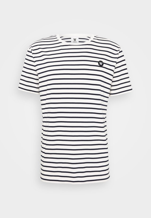 ACE - Print T-shirt - off-white/navy