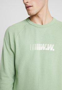 Wood Wood - HESTER  - Sweatshirt - dusty green - 4