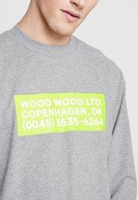 Wood Wood - ANAKIN LONG SLEEVE - Pitkähihainen paita - grey melange - 4