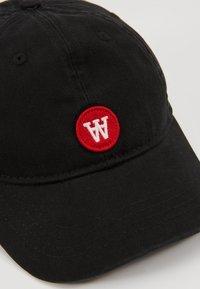 Wood Wood - SIM CAP - Lippalakki - black - 2