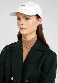 Wood Wood - LOW PROFILE - Cap - off white - 4