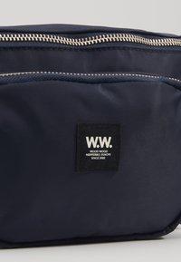 Wood Wood - ROBIN BUMBAG - Bum bag - navy - 2