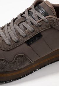 Woden - NORA II PLATEAU - Trainers - brown clay - 2
