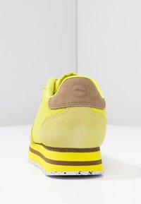 Woden - NORA II PLATEAU - Trainers - blazing yellow - 5