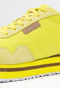 Woden - NORA II PLATEAU - Trainers - blazing yellow - 2