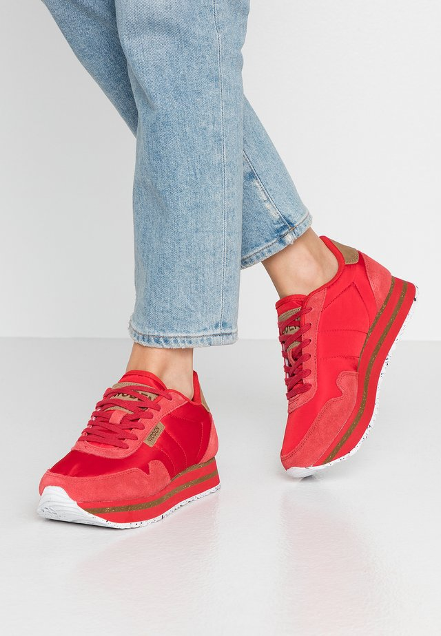 NORA II PLATEAU - Trainers - ribbon red