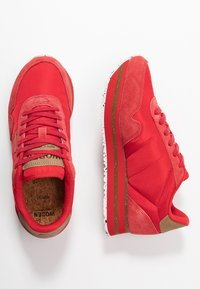 Woden - NORA II PLATEAU - Trainers - ribbon red - 3