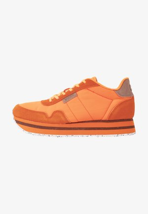 NORA PLATEAU - Sneakers laag - bright orange