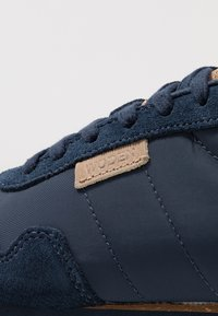 Woden - NORA II PLATEAU - Trainers - navy - 2