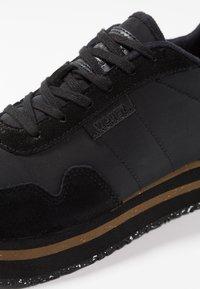 Woden - NORA PLATEAU - Sneakers basse - black - 2