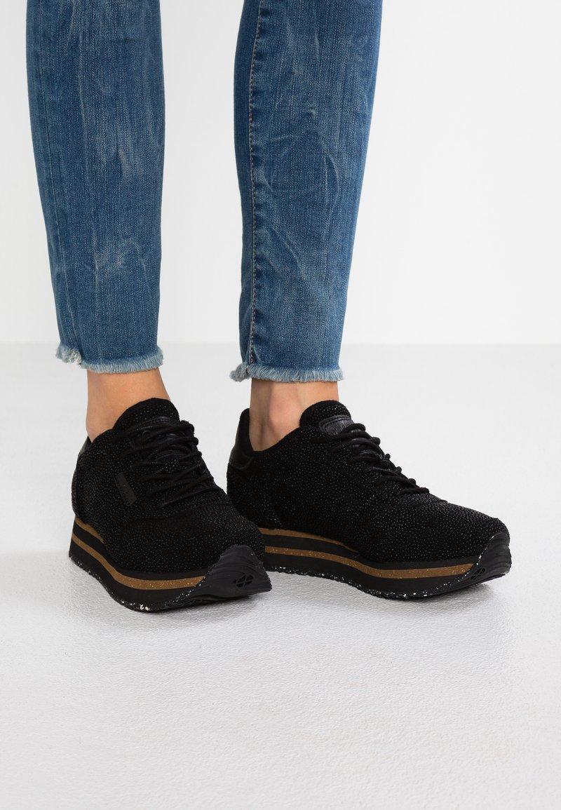 Woden - YDUN PEARL PLATEAU - Sneaker low - black