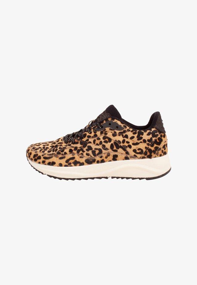 SOPHIE PONY - Sneakers basse - brown