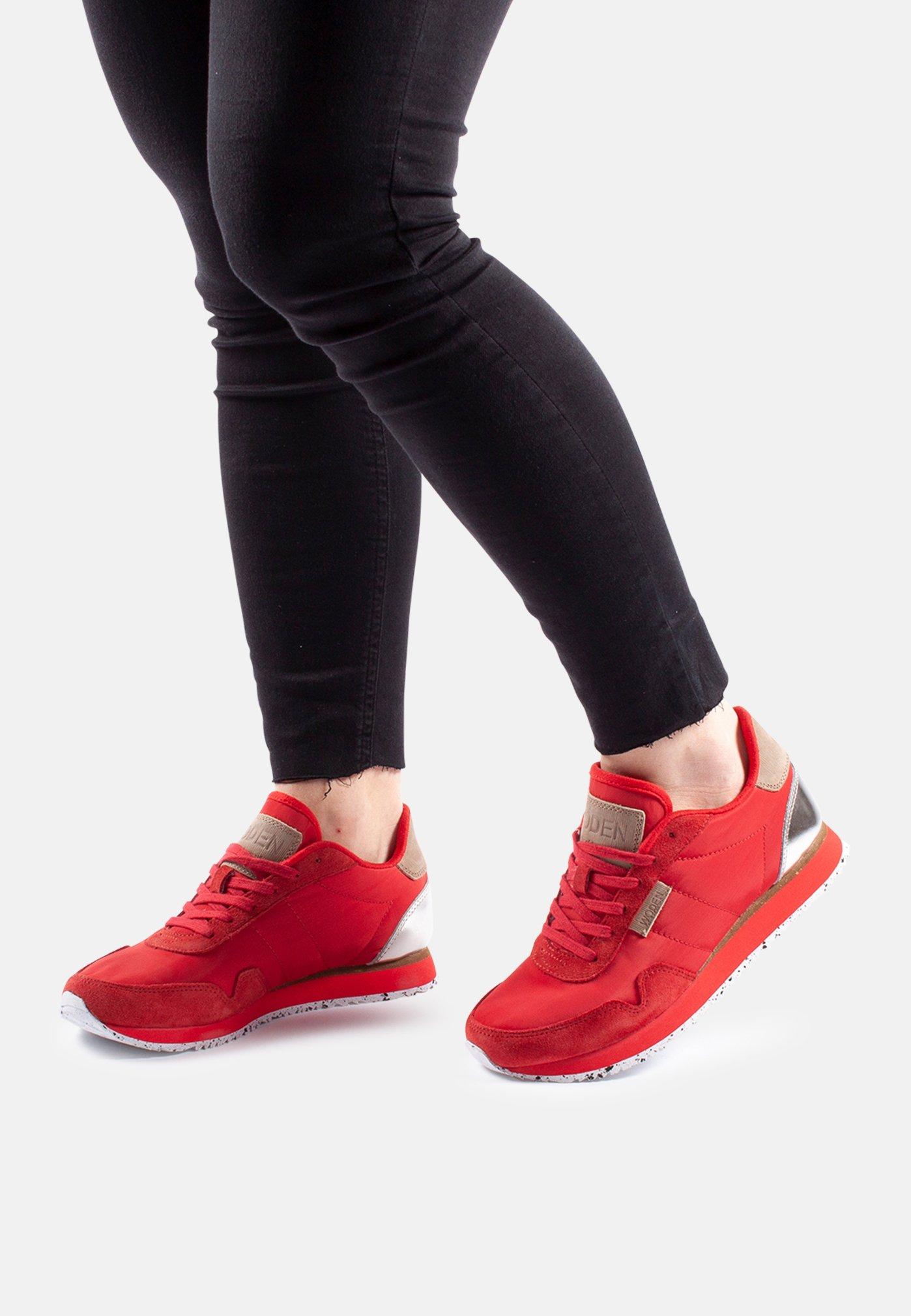Woden NORA II - Sneaker low - red - Black Friday