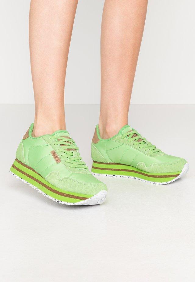 NORA II PLATEAU - Tenisky - neon grün