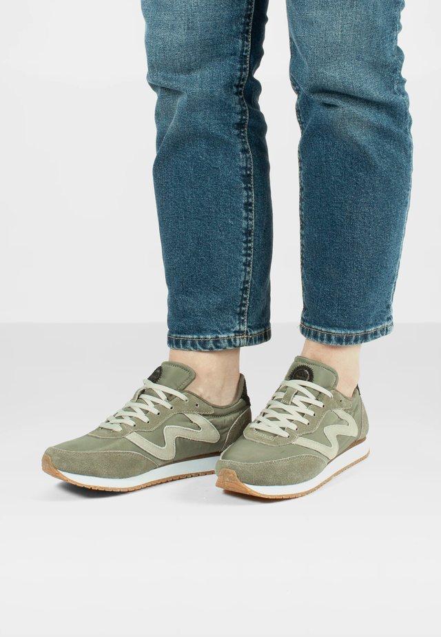 OLIVIA  - Sneakersy niskie - grau
