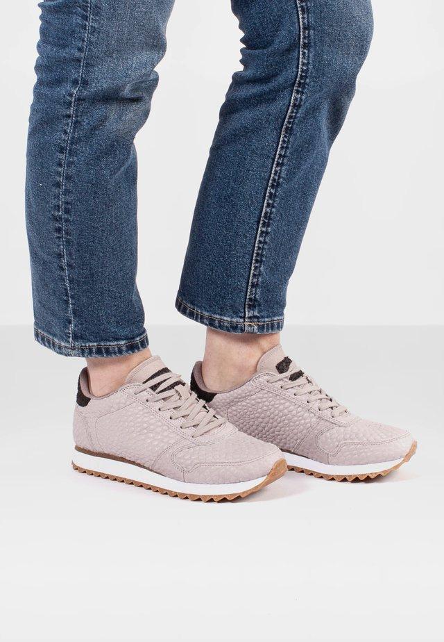 YDUN CROCO II - Sneakersy niskie - schwarz