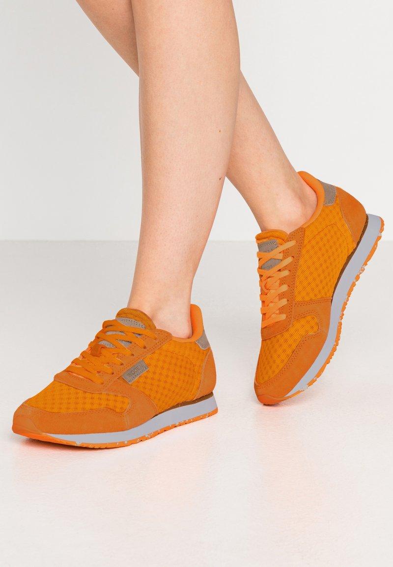 Woden - Ydun Suede Mesh - Baskets basses - bright orange