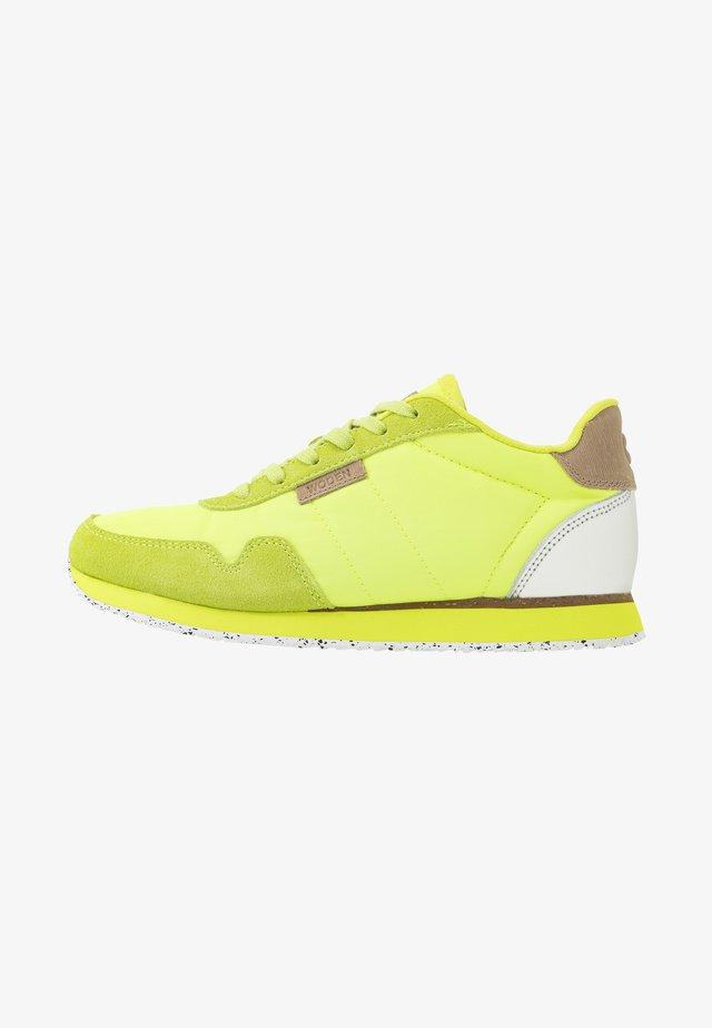 Nora II  - Trainers - neon gelb