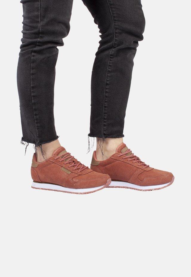 YDUN PEARL - Sneaker low - red