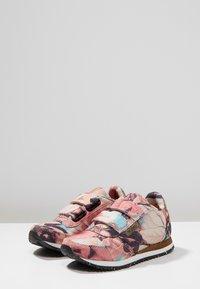 Woden - MIRA FLOWER KIDS - Sneakersy niskie - rose - 3