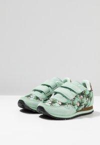 Woden - NORA FLOWER KIDS TEEN - Sneakersy niskie - misty jade - 3